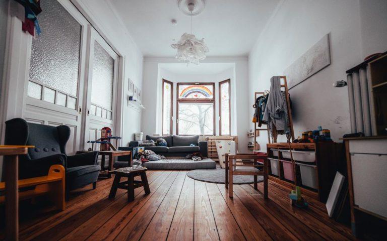 Co ma znaczenie przy wybieraniu mebli do małego pomieszczenia?