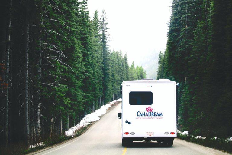 Jaki środek transportu warto wybrać w dłuższą podróż?