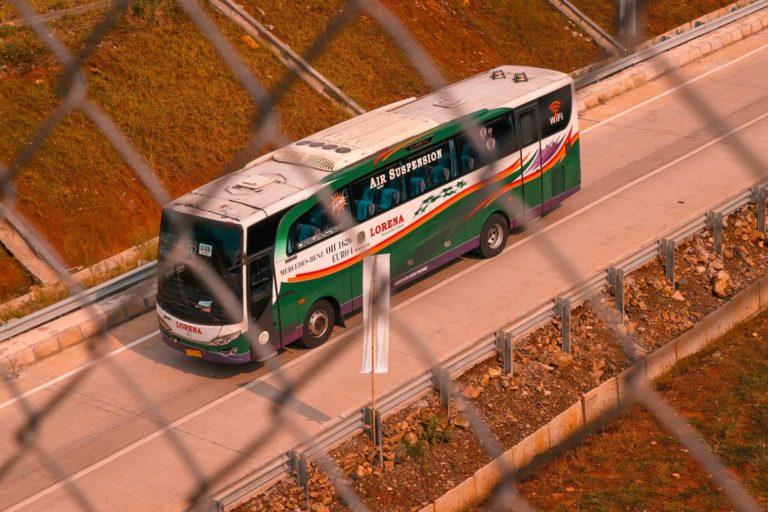 W wielu okolicznościach warto skorzystać z wynajętego busa
