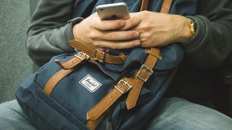 Uszkodzony wyświetlacz w telefonie komórkowym, gdzie naprawić?